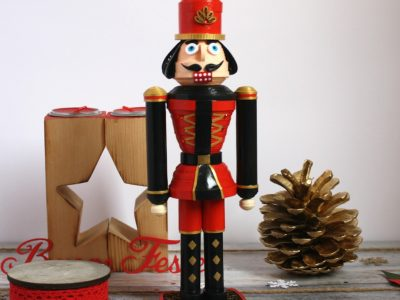 soldatino schiaccianoci Natale in quilling 3d
