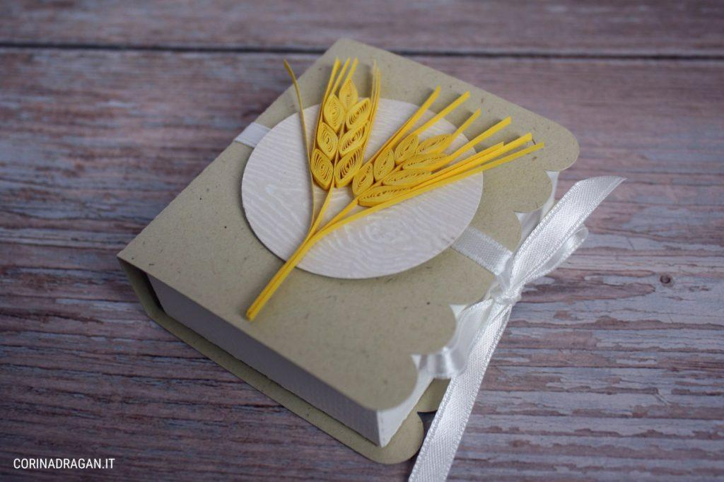 Scatolina portaconfetti Comunione a forma di libro