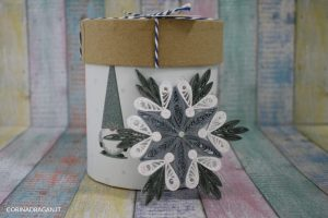 addobbo albero di Natale fatto con la carta quilling