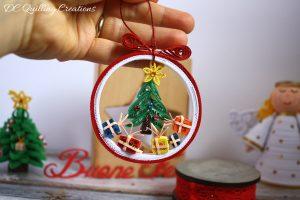 pallina di Natale con albero quilling