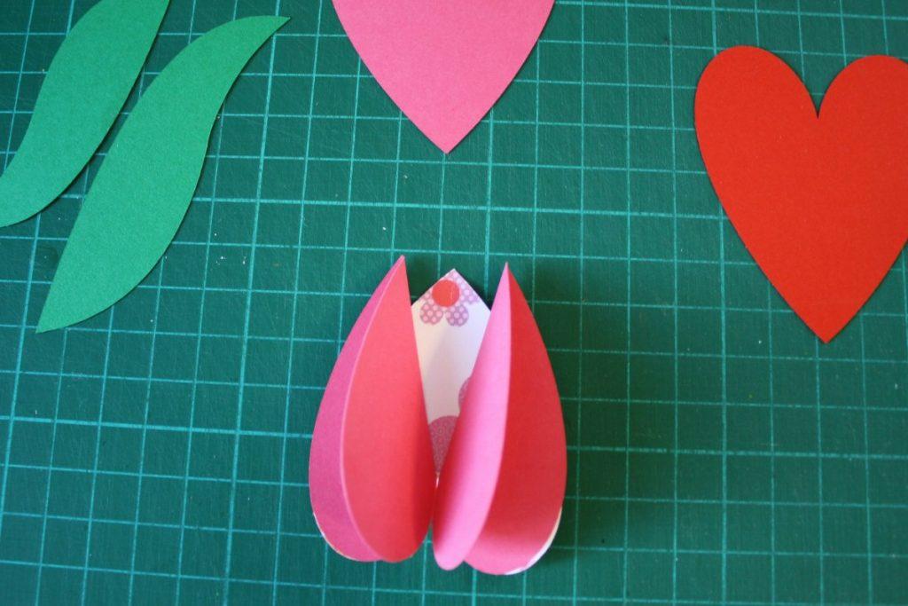 tulipani di carta fai da te bambini